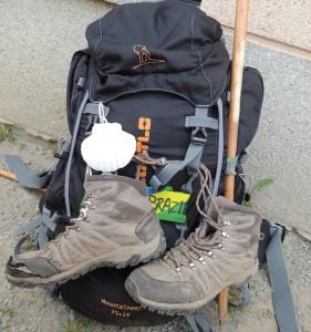 Minha mochila gigante e minha bota surrada, ainda faltavam muitos quilômetros.