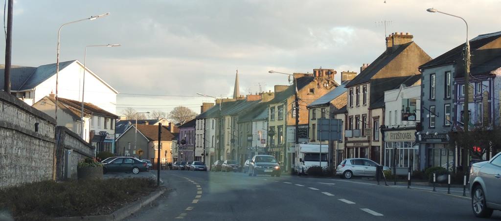 Ruas da Irlanda e a mão Inglesa.