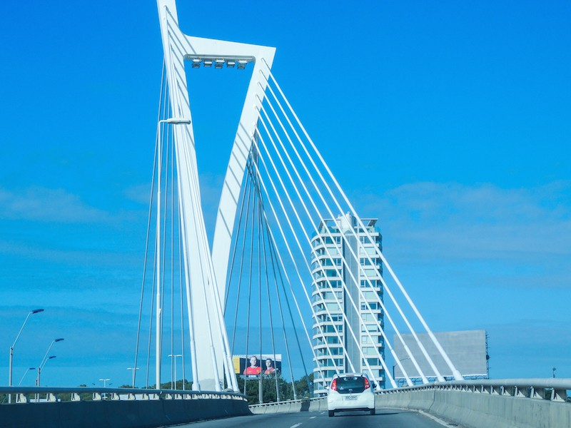 Ponte em Montevidéu