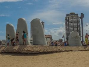 destinoalgum-uruguai-la-mano